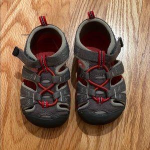 Boys Keen Sandals SZ: 7